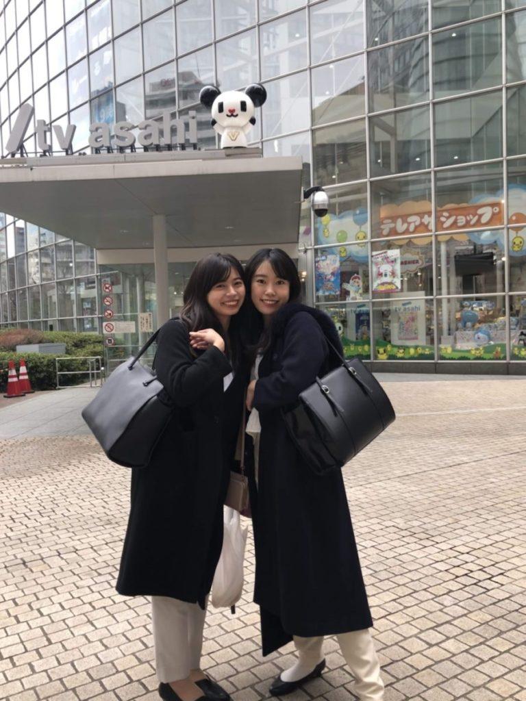 同期の野口アナとツーショット!入社前、研修最終日にパチリ。