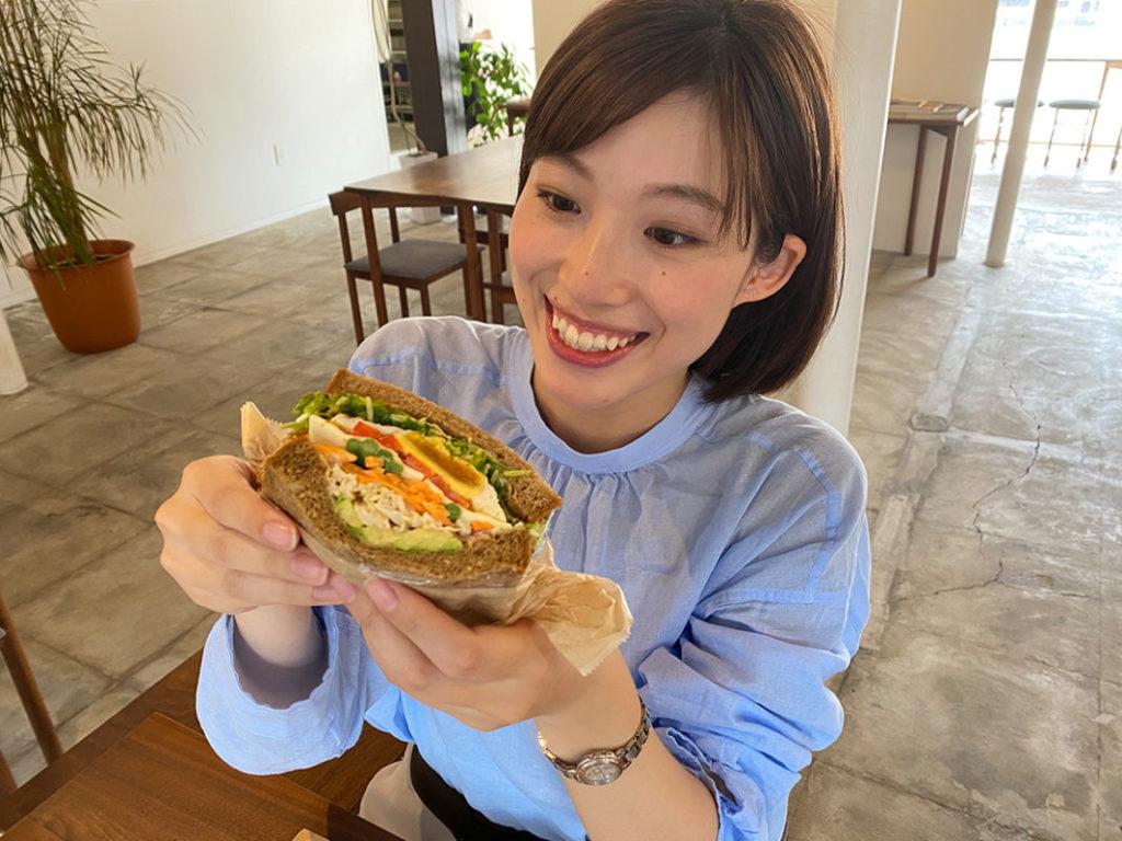 アナペコグルメ🍴野菜たっぷり彩りサンド!