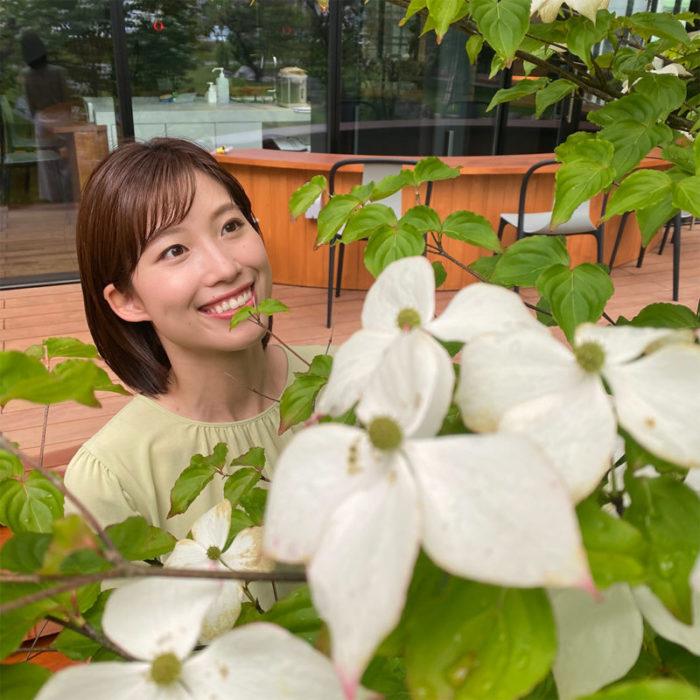 新緑の季節、会社の中庭で🌼