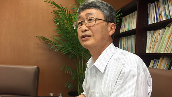香川大学創造工学部長 長谷川修一教授